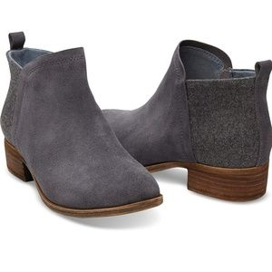 TOMS Deia ankle booties